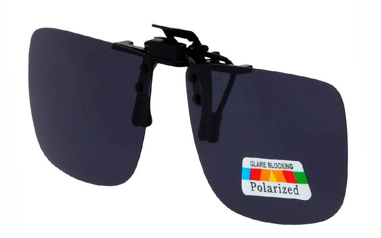 5ea8f4df1a91 Firkantet clip-on solbriller med mørke polaroid glas - Design nr. 3525